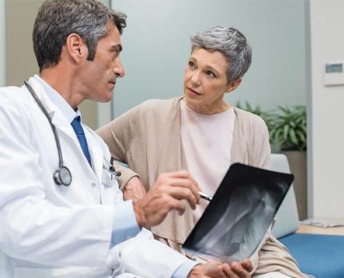 چه افرادی باید تست سنجش تراکم استخوان را انجام دهند؟